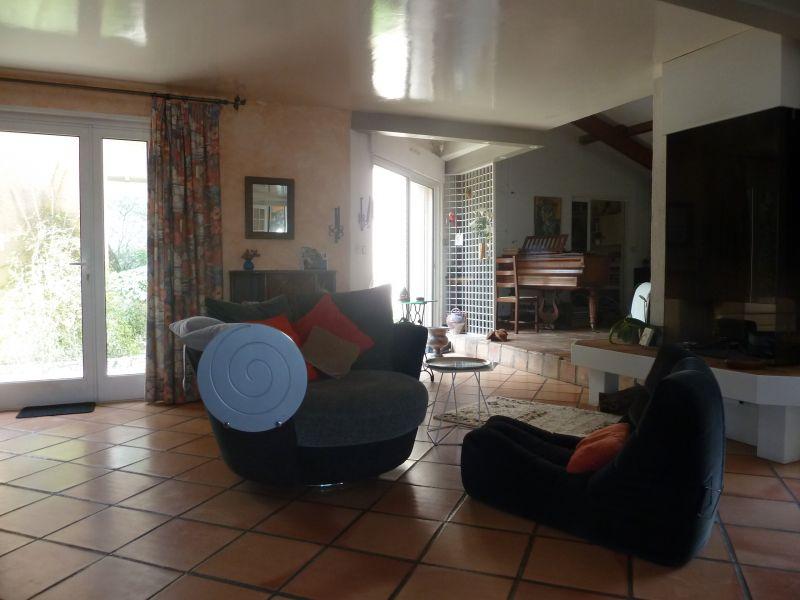 Lounge Location Villa 112551 Nîmes