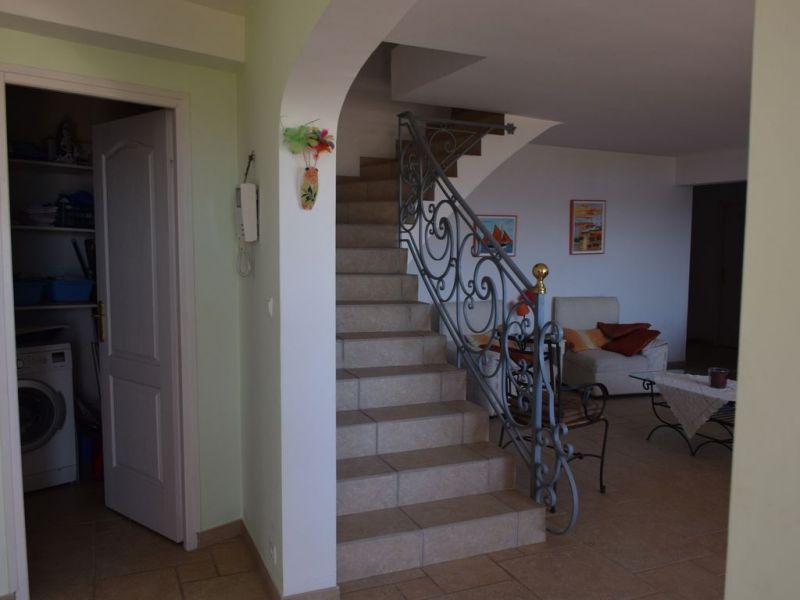Hall Location Villa 112812 Saint Aygulf
