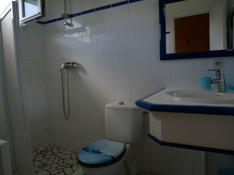 Half bath 1 Location Villa 116772 Saint Francois