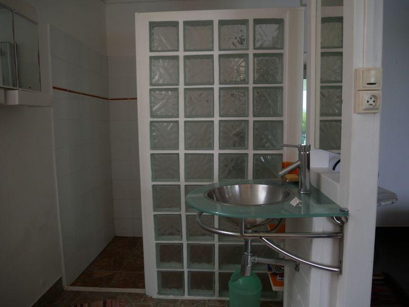 Half bath 3 Location Villa 116772 Saint Francois