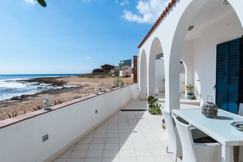 View of the property from outside Location Villa 117388 Noto