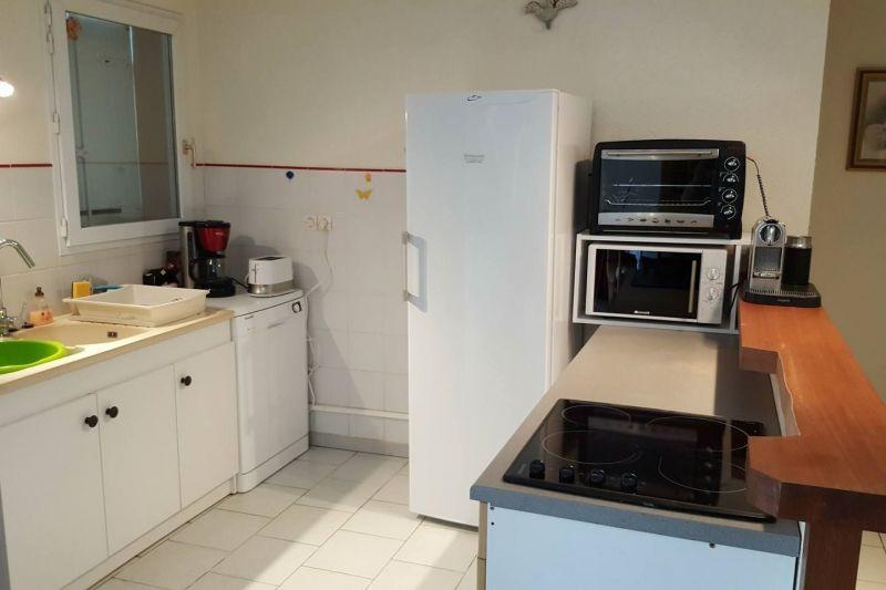 Open-plan kitchen Location Villa 118341 Saint Georges d'Oléron
