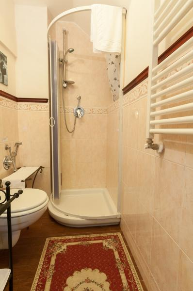 bathroom 1 Location Apartment 69812 Monopoli