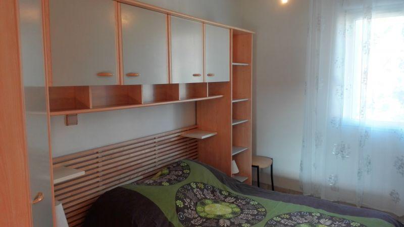 bedroom 2 Location Vacation rental 80424 Isle sur la Sorgue