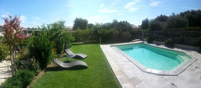 Swimming pool Location Vacation rental 80424 Isle sur la Sorgue