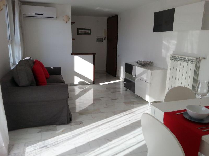 Living room Location Apartment 91428 Rome
