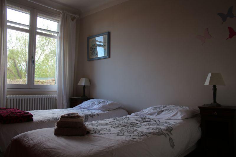 bedroom 2 Location Vacation rental 92429 Isle sur la Sorgue