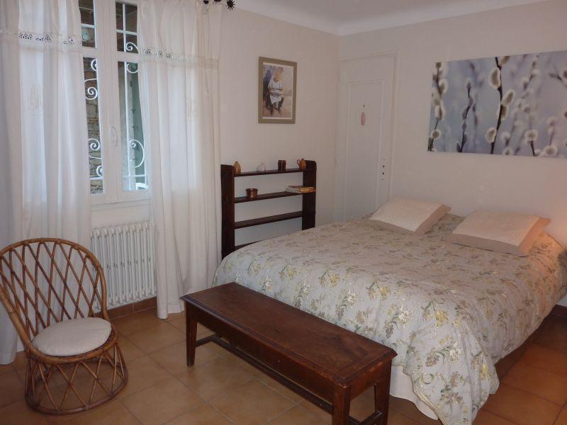 bedroom 1 Location Vacation rental 92429 Isle sur la Sorgue