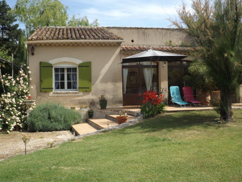 View of the property from outside Location Vacation rental 98340 Saint Rémy de Provence