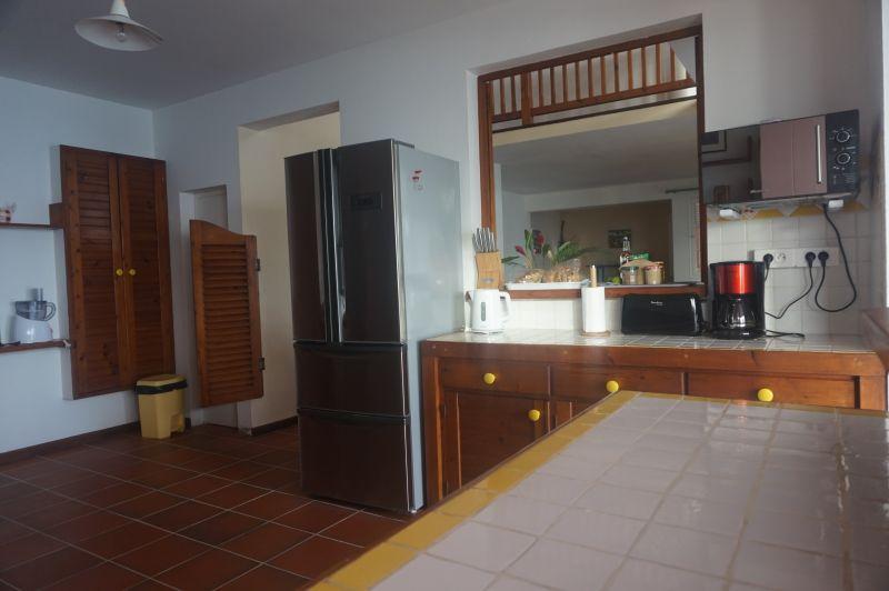 Open-plan kitchen Location Villa 102539 Saint Francois
