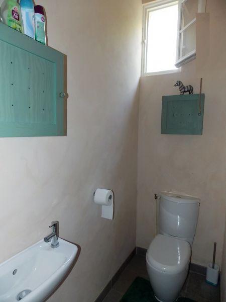 Bathroom w/toilet only Location Villa 110595 Lanton