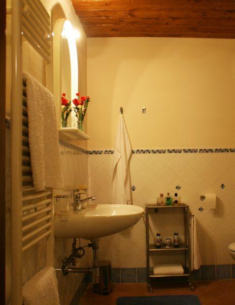 bathroom Location Vacation rental 84892 Siena