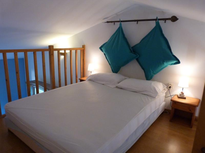 Mezzanine Location Apartment 95089 Arles