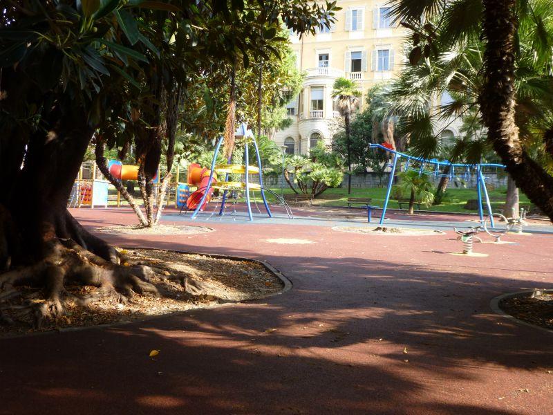 Surroundings Location Apartment 100261 Sanremo