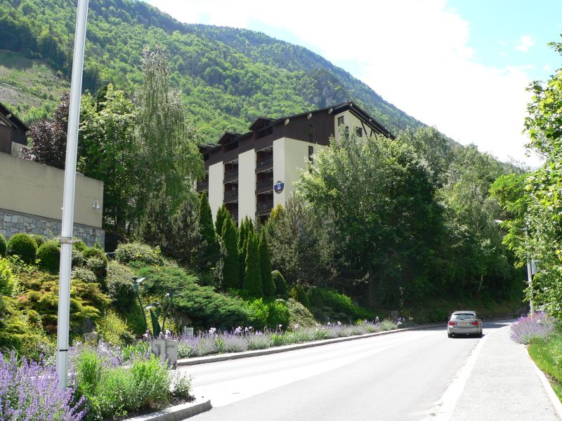 View of the property from outside Location One-room apartment 106467 Brides Les Bains