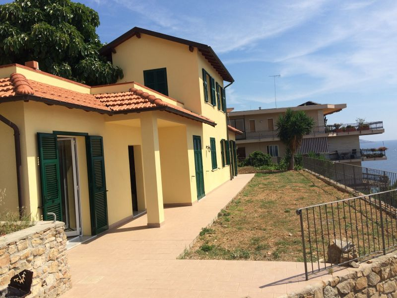View of the property from outside Location Apartment 106557 Sanremo