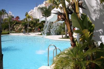 Swimming pool Location Apartment 108014 Estepona