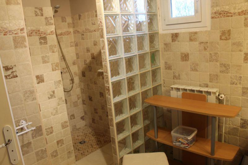 Half bath 1 Location Vacation rental 117149 Alès