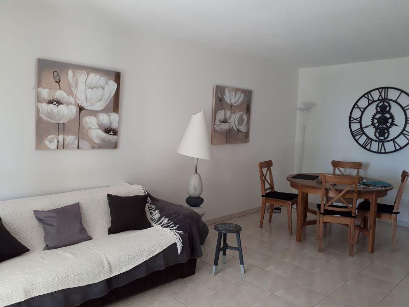 Lounge Location Apartment 63966 Fréjus