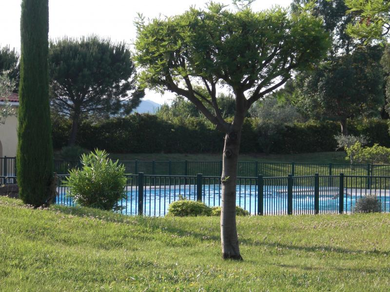 View of the property from outside Location Apartment 63966 Fréjus