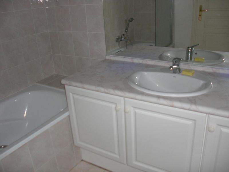 bathroom Location Apartment 63966 Fréjus