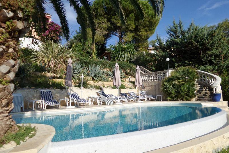 Swimming pool Location Apartment 69976 Nice