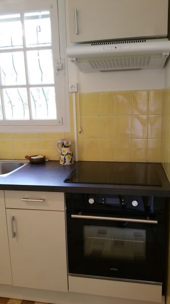 Separate kitchen Location Villa 100556 Golfe Juan