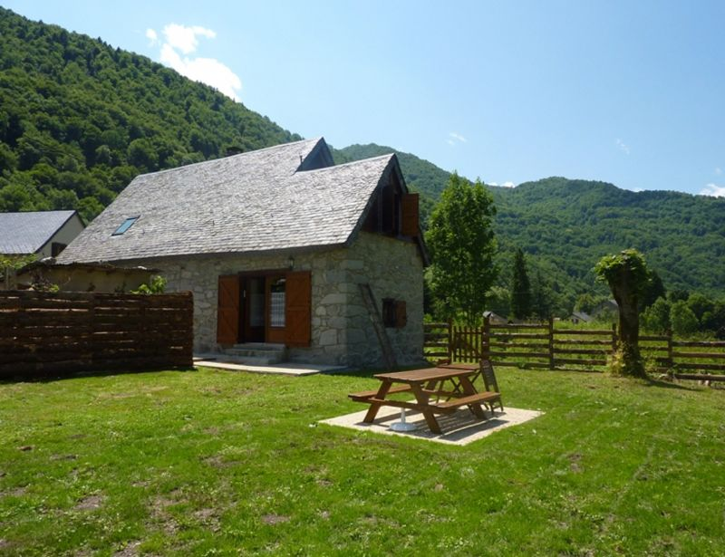 View of the property from outside Location Vacation rental 106964 Aulus les Bains