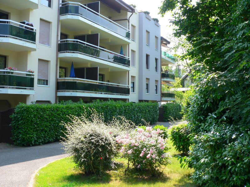 View of the property from outside Location One-room apartment 108306 Thonon Les Bains