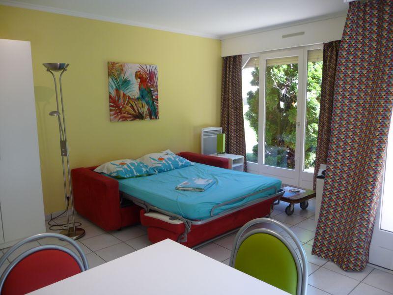 Living room Location One-room apartment 108306 Thonon Les Bains