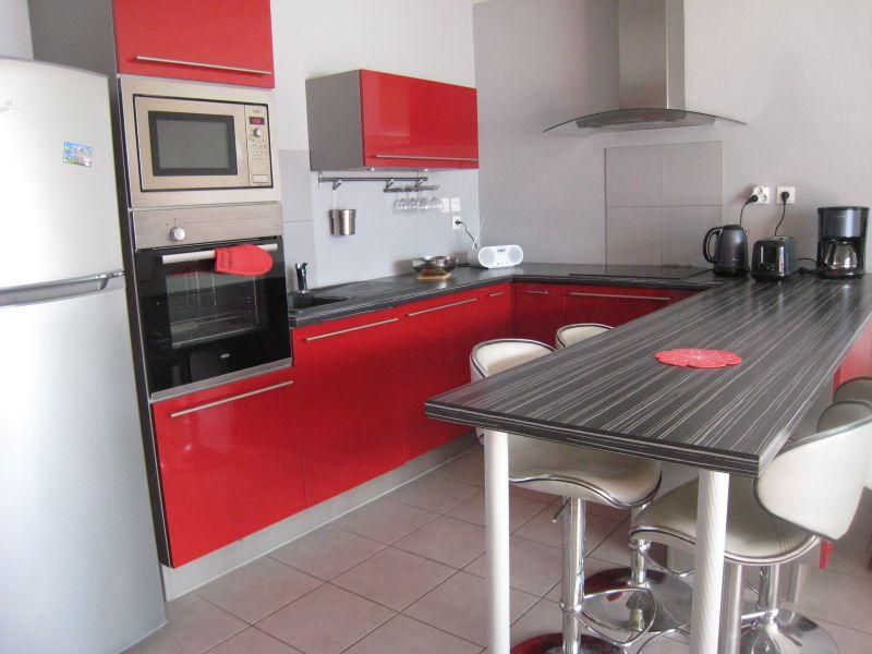 Open-plan kitchen Location Apartment 118158 Embrun