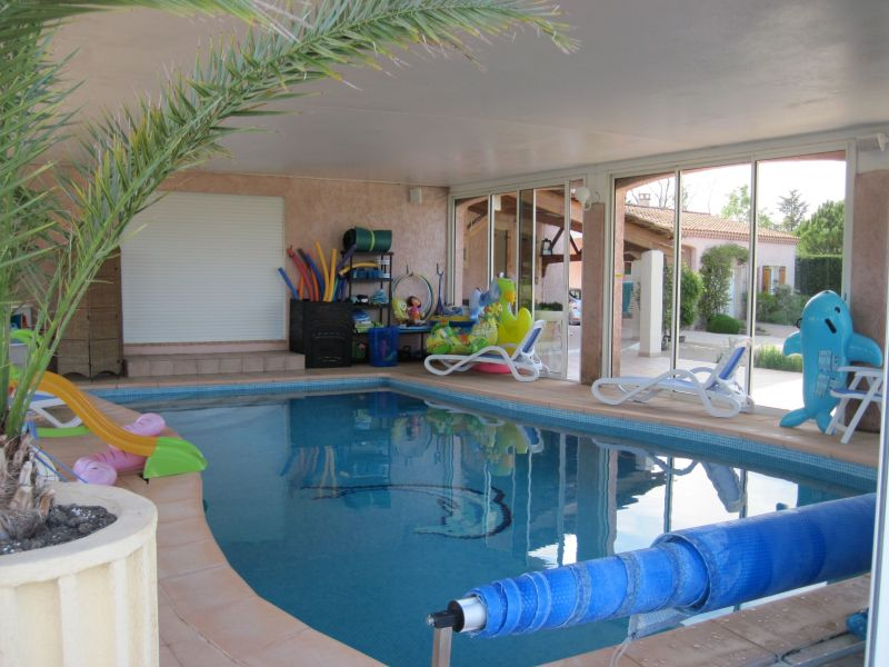 Swimming pool Location Villa 118411 Isle sur la Sorgue