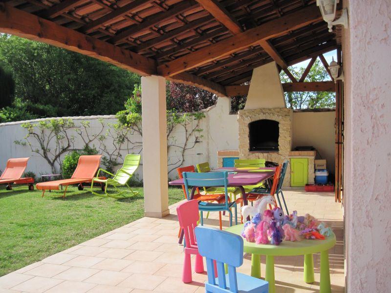 Terrace Location Villa 118411 Isle sur la Sorgue