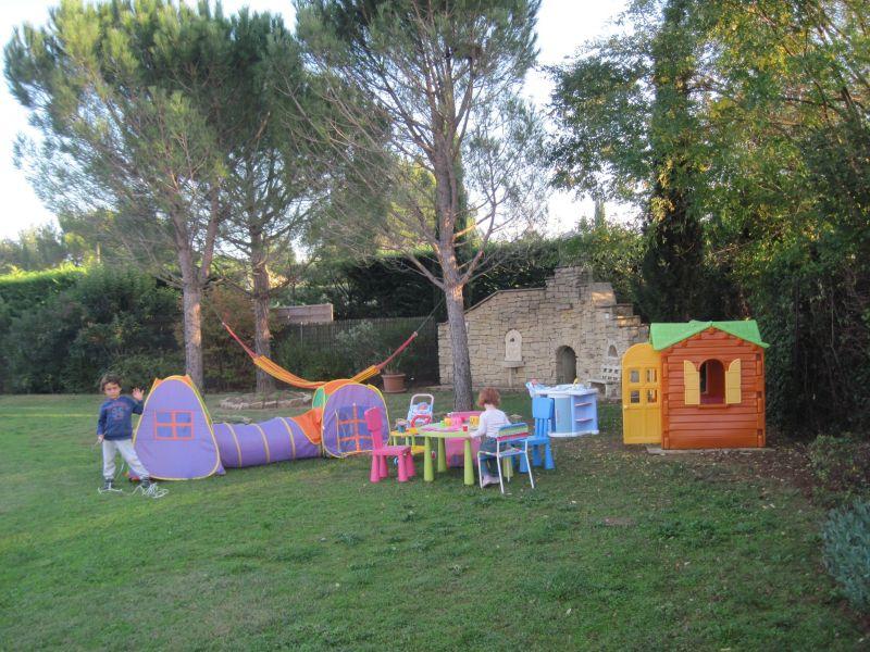 Garden Location Villa 118411 Isle sur la Sorgue