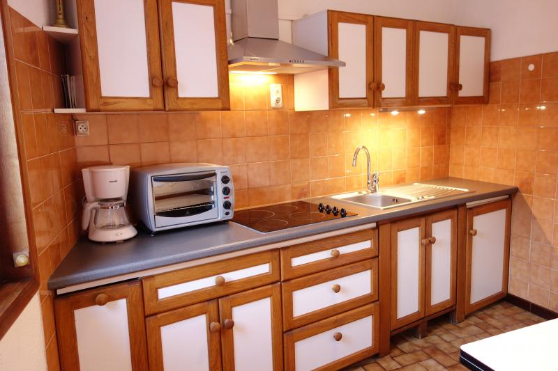 Separate kitchen Location Apartment 68456 Ax Les Thermes
