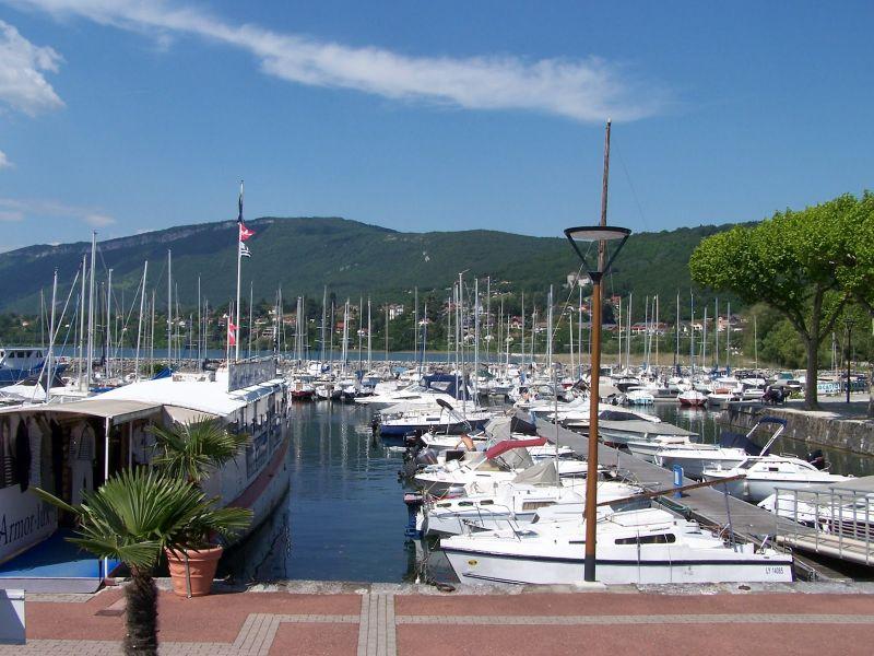 Surroundings Location Apartment 80483 Aix Les Bains