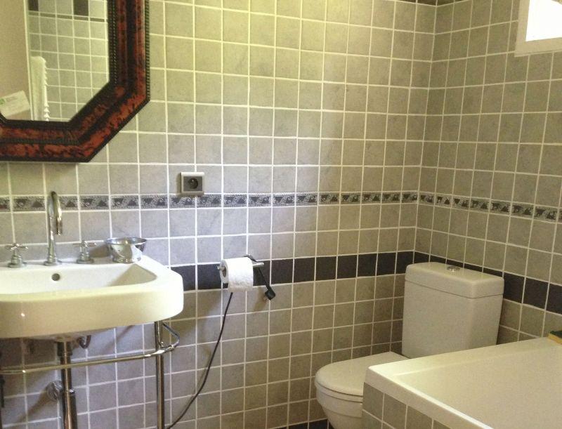 bathroom 1 Location House 90504 Grasse