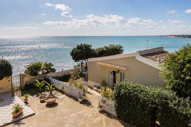 Location Apartment 113683 Avola