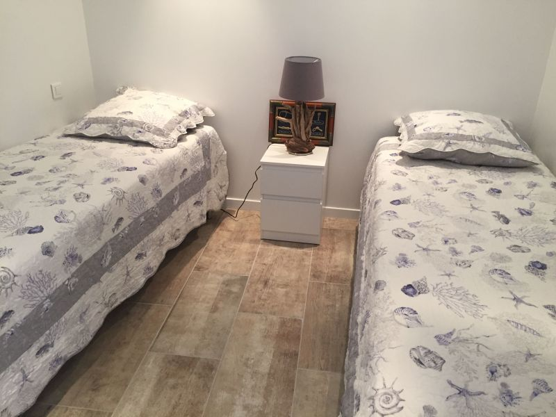 bedroom 2 Location Apartment 117249 Le Lavandou