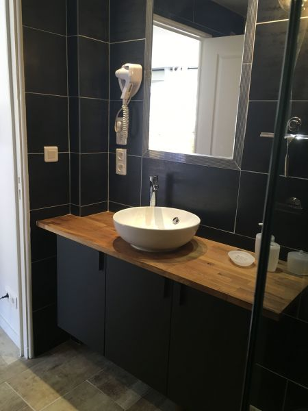 bathroom Location Apartment 117249 Le Lavandou