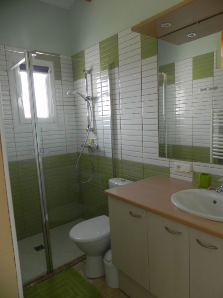 bathroom 2 Location Villa 117404 Gréoux Les Bains