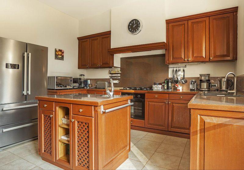 Separate kitchen Location Villa 118602 Lorgues