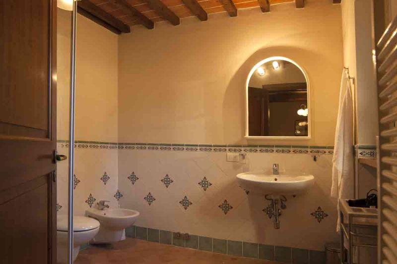 bathroom 1 Location Vacation rental 84894 Siena