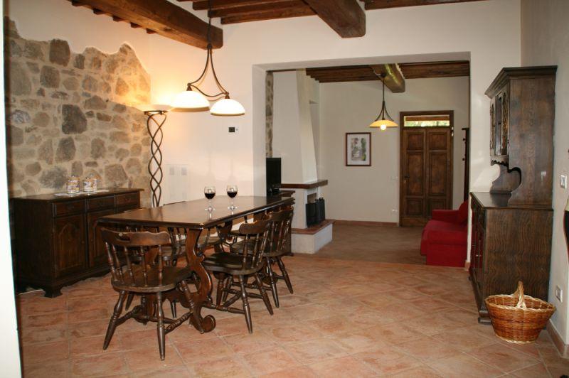 Dining room Location Vacation rental 84894 Siena