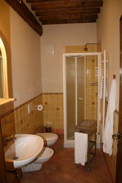 bathroom 3 Location Vacation rental 84894 Siena