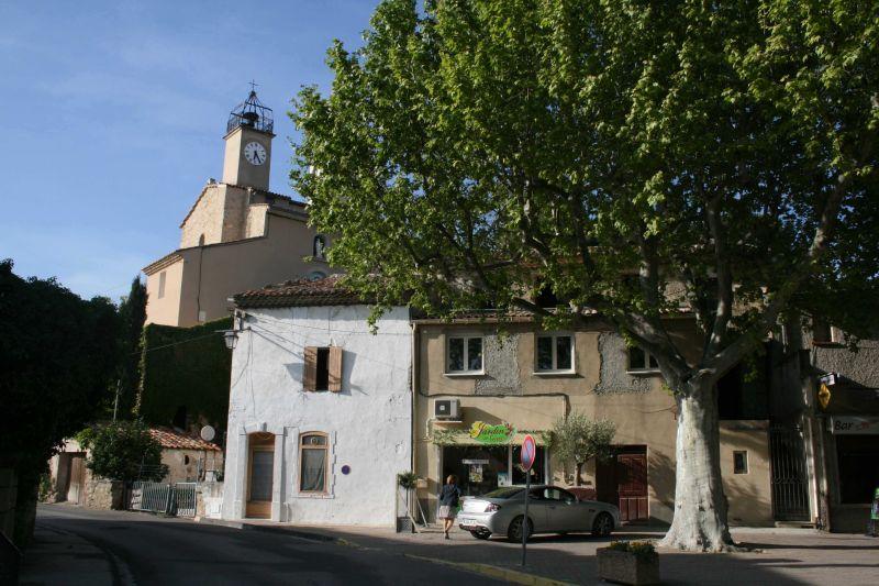 Surroundings Location Vacation rental 98363 Loriol-du-Comtat