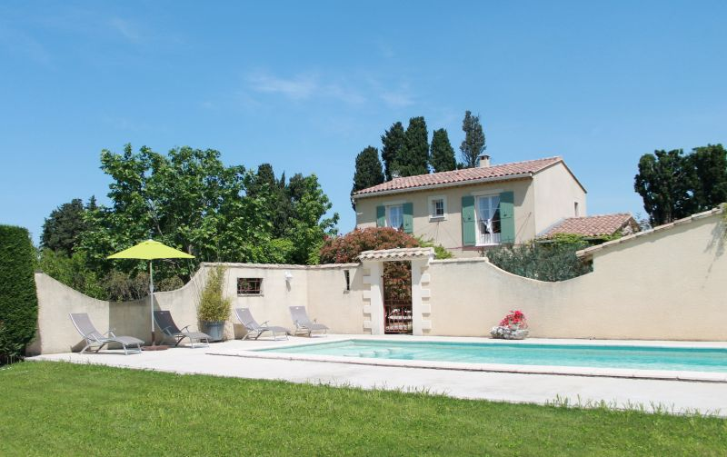 View of the property from outside Location House 100030 Avignon