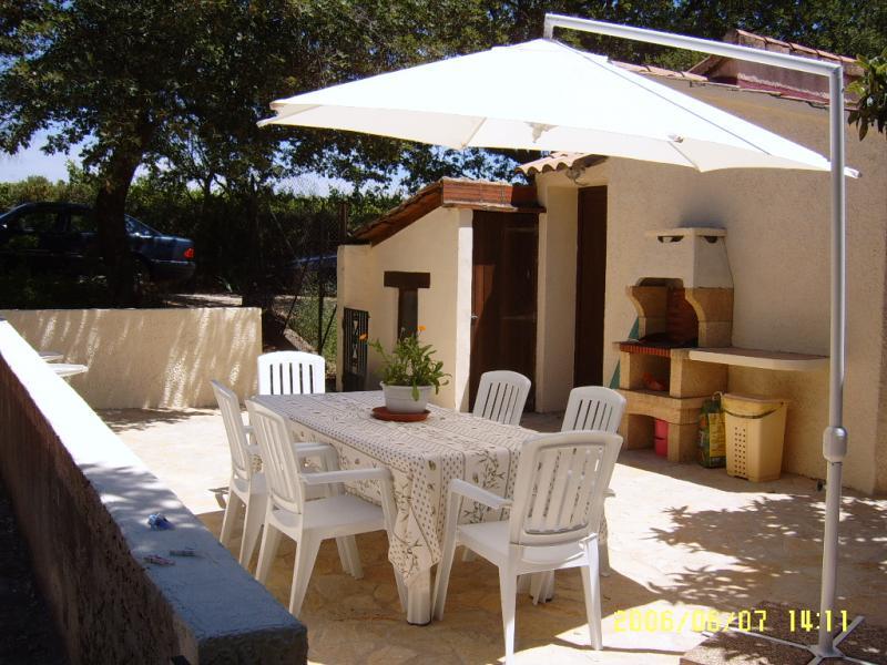 Summer kitchen Location Vacation rental 69702 Uzès