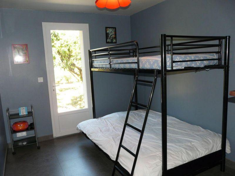 bedroom 1 Location Villa 82417 Hyères