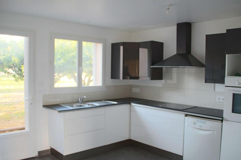 Separate kitchen Location Villa 82417 Hyères